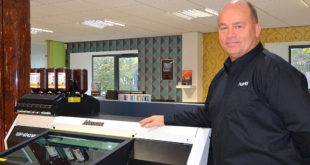 Hybrid set for UK first with new Mimaki UJF-6042 MkII