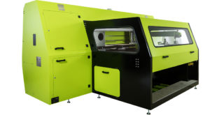 The new Aeoon Kyo Hybrid Series is the first combination screen and digital textile printing machine